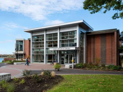 Merit Award: Bush Center & Ketchum Library, Univiersity of New England