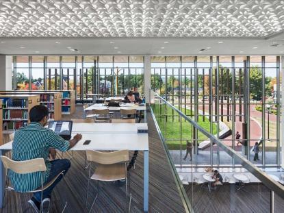 Honor Award: Southern New Hampshire University New Library, Manchester, NH. Photo: Chuck Choi